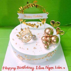 Bánh sinh nhật vương miện vàng
