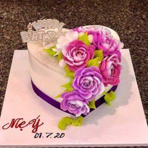 Bánh sinh nhật rau câu tim hồng phấn