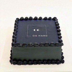 Bánh sinh nhật màu đen