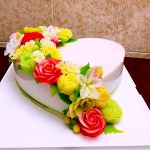 Bánh sinh nhật râu câu trái tim