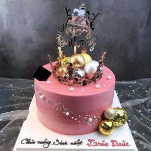 Bánh sinh nhật vương miện hồng