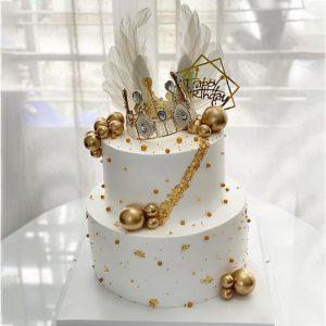 Bánh sinh nhật trắng hai tầng