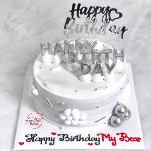 Bánh sinh nhật màu bạc